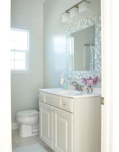 Thinking about refreshing your bathroom with paint? Check out these tips from @Centsational Girl . Via MyColortopia.com.