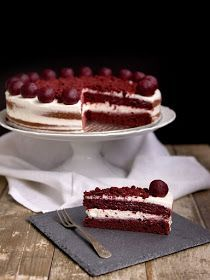 red velt...dobrá plnka Red Velvet Recept, Tiramisu, Tea Time, Cupcake Cakes, Catering, Waffles, Sweet Tooth, Cheesecake, Food And Drink
