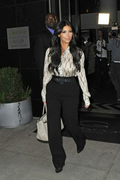 Kim Kardashian - Kim Kardashian Leaves Her Apartment in NYC