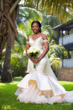 From Stealing Glances at Each Other to Forever Love! Novisi & Antonio's Ghanaian Wedding Ceremony African Traditional Wedding Dress, African Wedding Dress, Best Wedding Dresses, Designer Wedding Dresses, Wedding Attire, Bridal Dresses, Wedding Gowns, Wedding Ceremony, Wedding Venues