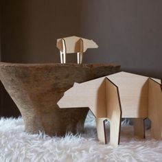 ijsberen in gerecycled lindehout lasercut atelier pierre   houtjevanpapier