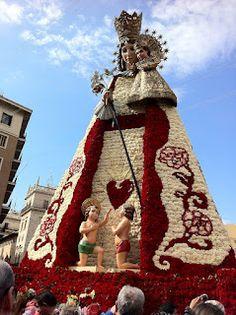 La Virgen de los Desamparados de Valencia Valencia City, Spanish Holidays, Burning Bush, Holiday Places, Blessed Virgin Mary, Mother Mary, Alicante, Places Around The World, Paella