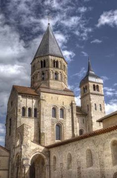 1130 Abbey Church of St. Paul in Cluny Romanesque Architecture, Historical Architecture, Ancient Architecture, Architecture Design, Cluny France, Acropolis Greece, Romanesque Art, Roman Church, Monuments