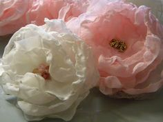 Singed Chiffon Flower Tutorial, upcycle your old chiffon fabric into pretty flowers Making Fabric Flowers, Tissue Paper Flowers, Cloth Flowers, Chiffon Flowers, Felt Flowers, Flower Making, Diy Flowers, Flower Ideas, Pretty Flowers