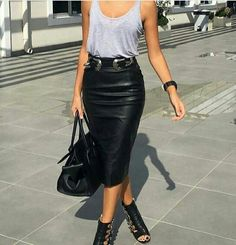 Ideas Moda Rock Black Pencil Skirts For 2019 Fashion Mode, Look Fashion, Autumn Fashion, Fashion Trends, Net Fashion, Petite Fashion, Fashion Details, Fashion Bloggers, Curvy Fashion