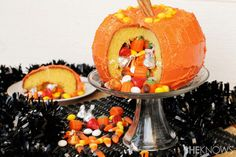 Jack-o'-lantern pinata cake - redo next year as bday cake! - find ways to use natural dyes and fill with dye free treats