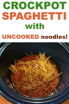 Easy Crockpot Spaghetti Recipe -- With Uncooked Noodles! - Family dinner recipes for a crowd — Can you put uncooked pasta in the slow cooker! Easy Pasta Recipes, Easy Healthy Recipes, Quick Easy Meals, Easy Dinner Recipes, Tomato Juice Recipes, Crockpot Spaghetti Recipe, Spaghetti Recipes, Pasta In The Crockpot, Crock Pot Spaghetti