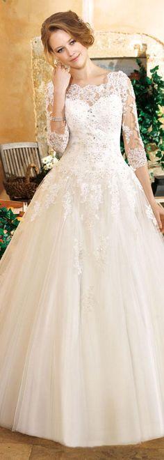 Marvelous Tulle Bateau Neckline A-line Wedding Dresses with Lace Appliques