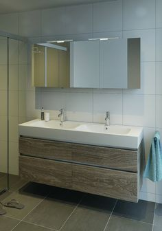 Badkamermeubelen - Baden specialist in complete badkamers Laundry In Bathroom, Bathroom Black, Elderly Home, Bathroom Interior, Double Vanity, Cabinet, Furniture Decor, House Design, House Styles