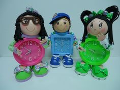 FofuRelojes Niños - Goma Eva - Relojes 7 And 7, Projects To Try, Clock, Dolls, Christmas Ornaments, Holiday Decor, Biscuit, Diana, Creativity