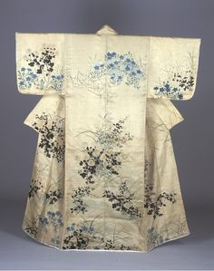 Kosode  18th Century   Edo Period  Ogata Korin (1658 – 1716) is a Japanese-style painter who was a popular artist from the early to mid-Edo period. The accompanying document says that he drew an autumn plant pattern on this kosode (kimono with small wrist openings) for the wife of a lumber merchant, Fuyugiya, in Fukagawa, Edo.
