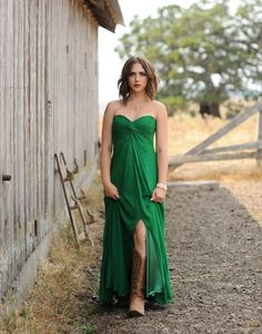 Petaluma/North Bay Senior photographer/ Nicoles couture session