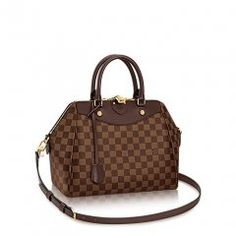 With its chic, sporty allure, the Mews tote moves smoothly from office to weekend. Luxe details like rich leather trim and gleaming metal hardware highlight the bag's flawless craftsmanship. In classic Damier Ebene, it definitely checks all the boxes. Canvas Handbags, Lv Handbags, Handbags On Sale, Louis Vuitton Handbags, Louis Vuitton Damier, Louis Vuitton Designer, Vintage Louis Vuitton, Sacs Louis Vuiton, Sacs Design