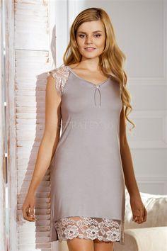 Somnul este un ingredient vital, absolut necesar pentru functionarea optima a corpului si a mintii. Tops, Dresses, Women, Fashion, Vestidos, Moda, Fashion Styles, Dress, Fashion Illustrations