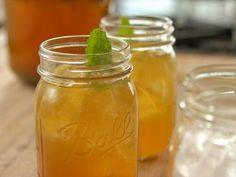 "Sweet Tea Lemonade (Kit for Cowboy Cameron) - ""The Pioneer Woman"", Ree Drummond on the Food Network."
