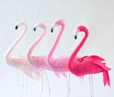 Flamant rose decoratif  sculpture textile par AtelierCaroline