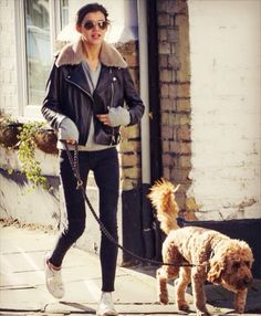 Even doing simple daily tasks such as walking Bruce, Eleanor manages to look stylish.
