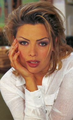 At her converted barn Kim Wilde speaks of her success in the hit musical Tommy and the new man in her life Wilde Life, Kim Wilde, Viking Jewelry, Ancient Jewelry, Classic Beauty, New Man, 16th Century, Musicals, Beautiful Women