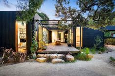 Prefab homes kits that sustainable and affordable. Find modern prefab / prefabricated modular homes plans / designs / ideas eco-friendly here. ** Read more details by clicking on the image. Simple House Exterior Design, Modular Home Designs, Plans Architecture, Tropical Architecture, Australian Architecture, Building A Container Home, Container Homes, Container Buildings, Cargo Container