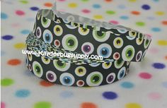 Hey, I found this really awesome Etsy listing at https://www.etsy.com/listing/203261404/3-yards-spooky-eyeballs-78-in-printed