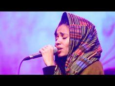 """Nneka LIVE """"Walking"""" - My Fairy Tales - Tour 2015 @Jam'in'Berlin"""