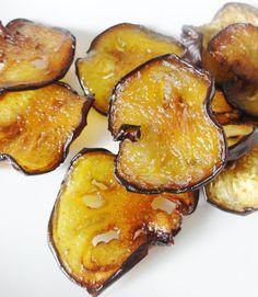 chips-de-légumes-au-four. Healthy Breakfast Recipes, Healthy Snacks, Vegetarian Recipes, Chips D'aubergine, Fingers Food, Antipasto, Creative Food, Cooking Time, Love Food