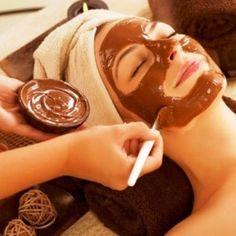 Easter Beauty Guide: 5 Homemade Chocolate Beauty Treatments You Must Try! Easter skincare DIY facials for oily skin, dry skin and sensitive skin. Beauty Guide, Beauty Secrets, Beauty Hacks, Diy Beauty, Beauty Care, Vaseline, Le Contouring, Diy Conditioner, Chocolate Face Mask