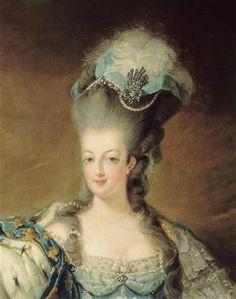 Marie-Antoinette en costume de cour.