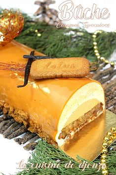 Speculaas log with easy caramel insert - Buche speculoos salted butter caramel insert - Desserts With Biscuits, Desserts For A Crowd, Fancy Desserts, Cake Roll Recipes, Apple Cake Recipes, Dessert Recipes, Salted Butter, Butter Cakes, Cheesecake