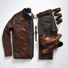 Styles of Man Men's Fashion Inspiration and Resources (Outfit Grids Flatlays etc.) Styles of Man Men's Fashion Inspiration and Resources (Outfit Grids Flatlays etc. Herren Outfit, Outfit Grid, Fashion Mode, Street Fashion, Dope Fashion, Fashion Trends, Mens Fashion Suits, Fashion Pants, Fashion Outfits