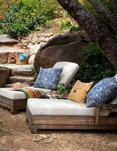 Beautiful small pool via Leaf Summer 2012 Issue Outdoor Areas, Outdoor Rooms, Outdoor Sofa, Outdoor Crafts, Outdoor Living, Outdoor Retreat, Terrace Garden, Garden Furniture, Patios