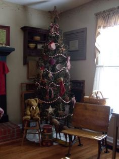 Primitive Christmas Decorating Ideas   having a primitive christmas     Primitive Christmas Decorating Ideas   having a primitive christmas    Living Room Designs   Decorating Ideas       Christmas Prim   Pinterest    Primitive
