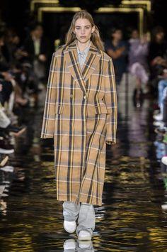 Stella McCartney | Paris Fashion Week Fall 2018