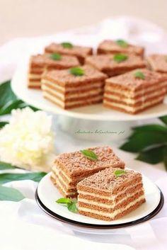 Arabeska : Ciasto HIT - bez pieczenia Polish Desserts, Polish Recipes, No Bake Desserts, Sweet Recipes, Cake Recipes, My Favorite Food, Favorite Recipes, Sweet Bakery, Dessert Drinks