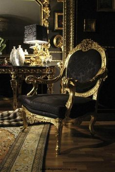 Luxury Italian Furniture | Get lost in the amazing collections of the most beautiful places in the world and Art Collection