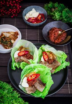 Korean Pork Belly Wrap - Cooking With Lei Food Network Recipes, Wine Recipes, Asian Recipes, Sweets Recipes, K Food, Food Is Fuel, Korean Lettuce Wraps, Korean Pork Belly, Pork Wraps