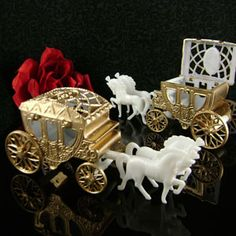 favors - carriages can be filled with candy, also in silver or clear