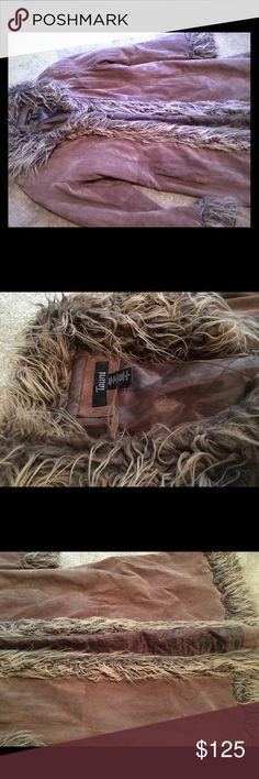 Vintage suede and faux fur maxi coat Amazing grunge vintage jacket. Suede and faux fur size medium. Penny Lane Coat, Maxi Coat, 90s Grunge, Vintage Jacket, Ankle Length, Faux Fur, Coats, Medium, Amazing