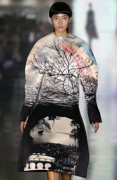 The photo-real landscape prints from @MaryKatrantzou were so beautiful. Almost hauntingly so. #lfw