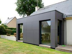 Voir sans être vu - Un pavillon agrandi et transformé par un cube