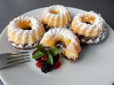 Minibábovky smandarinkami Mini Cakes, Cupcake Cakes, Sweet Recipes, Cake Recipes, Sweet Bar, Tiramisu Cake, Beautiful Desserts, Mini Cheesecakes, Chicken Bacon