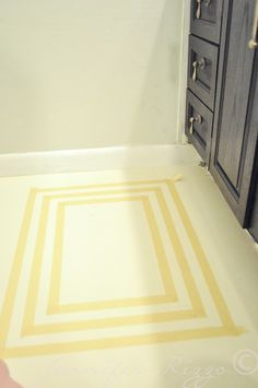 Add A Bit Of Design To Your Drab Floors Wth Painted Rug