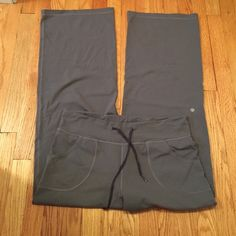 Lululemon loose fit yoga pant. Great condition! Lululemon loose fit yoga pant. Slate gray color. Very Slight piling in inner thigh. Re-posh (too big for me). Very cute and soft! lululemon athletica Pants Wide Leg