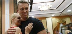Rusia pone en libertad condicional a Navalni