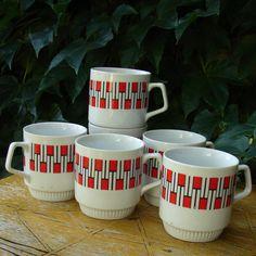 Co budeš chtít ke snídani? Retro Art, Modernism, Porcelain, Mugs, Tableware, Modern Architecture, Porcelain Ceramics, Dinnerware, Cups