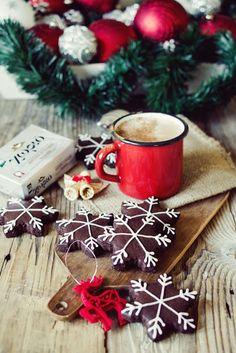 Sugar Buzz: Αρωματικά Gingerbread μπισκότα με κακάο και πορτοκάλι Christmas Sweets, Christmas Wreaths, Christmas Ornaments, Christmas Ideas, Gingerbread, Cookies, Gift Wrapping, Holiday Decor, Tableware