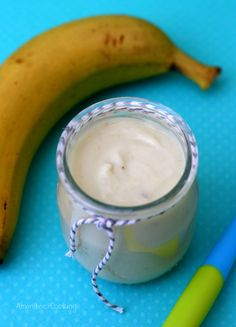 Banana cream (from 4 months) – Amandine Cooking – About Baby Homemade Butter, Homemade Baby Foods, Baby Food Recipes, Sweet Recipes, Cooking Bananas, Compote Recipe, Banana Dessert Recipes, Desserts With Biscuits, Creme Dessert