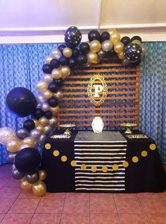 first birthday party theme 50th Birthday Party Decorations, First Birthday Party Themes, 30th Birthday Parties, Deco Ballon, Balloons Galore, Gold Party, Birthday Balloons, First Birthdays, Black Party Decorations