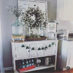 "1,550 Likes, 6 Comments - DECORSTEALS.COM (@decorsteals) on Instagram: ""Happy Saint Patricks Day 🍀we love seeing vignettes that change with the seasons like this one from…"""