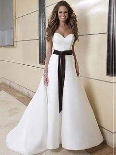 Xenia-Vestido de Noiva em cetim - dresseshop.pt